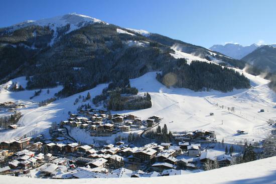 Impressie van wintersport in Hinterglemm.